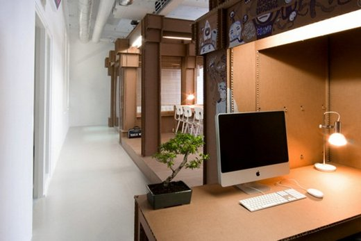 office-made-of-cardboard10
