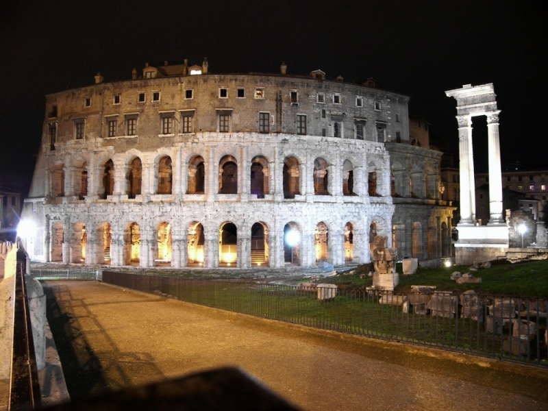 Teatro Marcello di Roma night